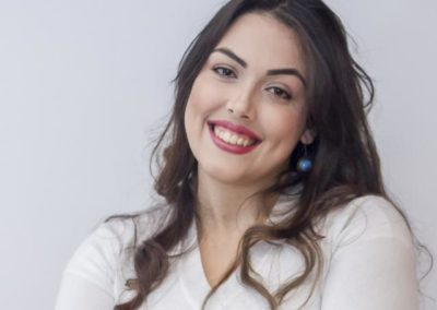 Aline Flores